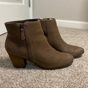 Crown Vintage Heeled Brown Booties
